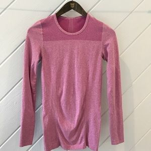 {Fabletics} Long Sleeve Athletic Shirt
